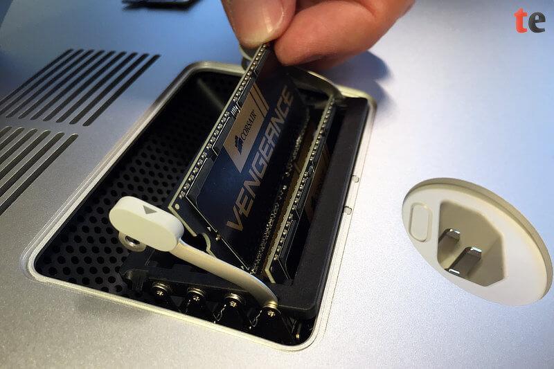 iMac Arbeitsspeicher erweitern: Schritt 5 - Neuen Speicher einsetzen