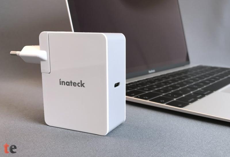 Der Inateck USB-C Power Delivery Netzstecker ist ein vollwertiger Ersatz für das Original-Netzteil eines Apple MacBook (12-Zoll, Early 2016), lädt aber auch mühelos ein MacBook Pro (13-Zoll, Late 2016).