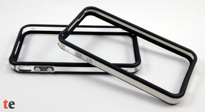 Die beiden Varianten des vau Edge Bumper: 'invisible black' mit dem durchsichtigem Rahmen und 'bright darkness' mit weißen Akzenten.