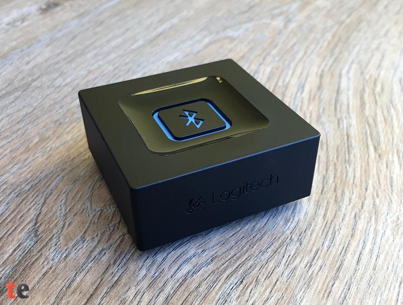 Der Logitech Bluetooth Audio Adapter überzeugt mit einer tadellosen Verarbeitung. Das Design ist zwar kantig und wenig spektakulär, dafür aber unauffällig genug, um den Adapter im Regal gut verstecken zu können.