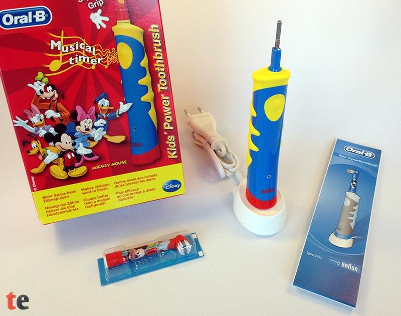 Oral-B Kinderzahnbürste mit Verpackung und Zubehör