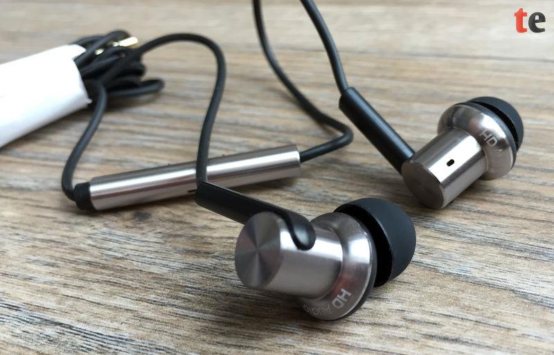 Die Kopfhörer bieten eine hervorragende Verarbeitung und hochwertige Materialien, wie z.B. Aluminium und ein Kevlar-ummanteltes Kabel.