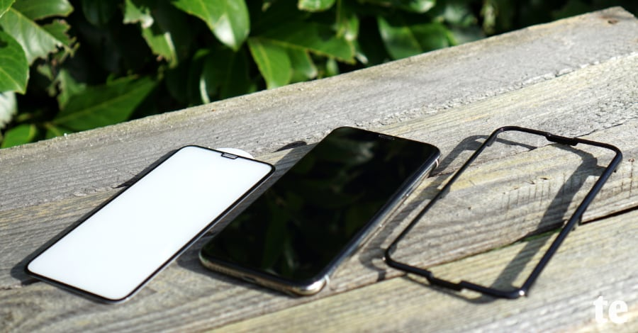 iPhone-Panzerglas mit Anbringhilfe
